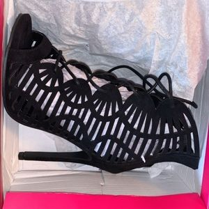 Nilsey Black heels from shoedazzle